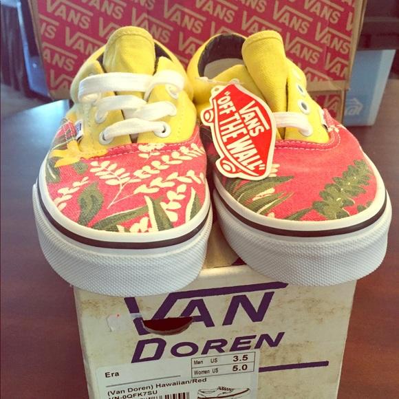 8dfe57dcef44 Classic custom Vans size 5 Hawaiian floral print